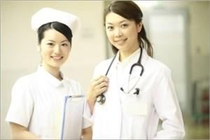 病院と医師スタッフ